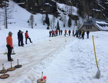 30. Hochgebirgs-eisschießen Bergrettung Rauris gegen Naturfreunde Rauris