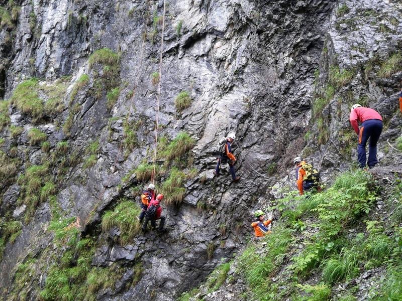 Klettersteig Unfall : Bergung eines verletzten bergsteigers aus dem kitz klettersteig